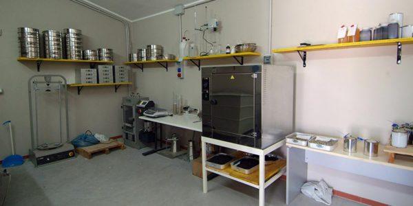 fagnano-asphalt-laboratorio-2